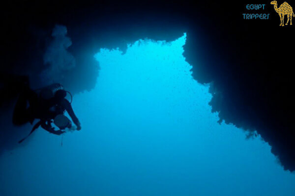 Diving in the Blue Hole