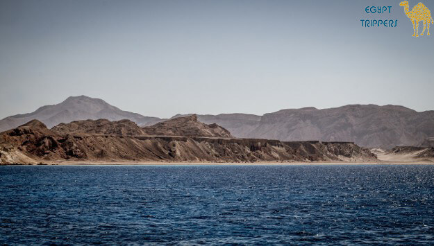 How to reach the islands of Tiran and Sanafir?