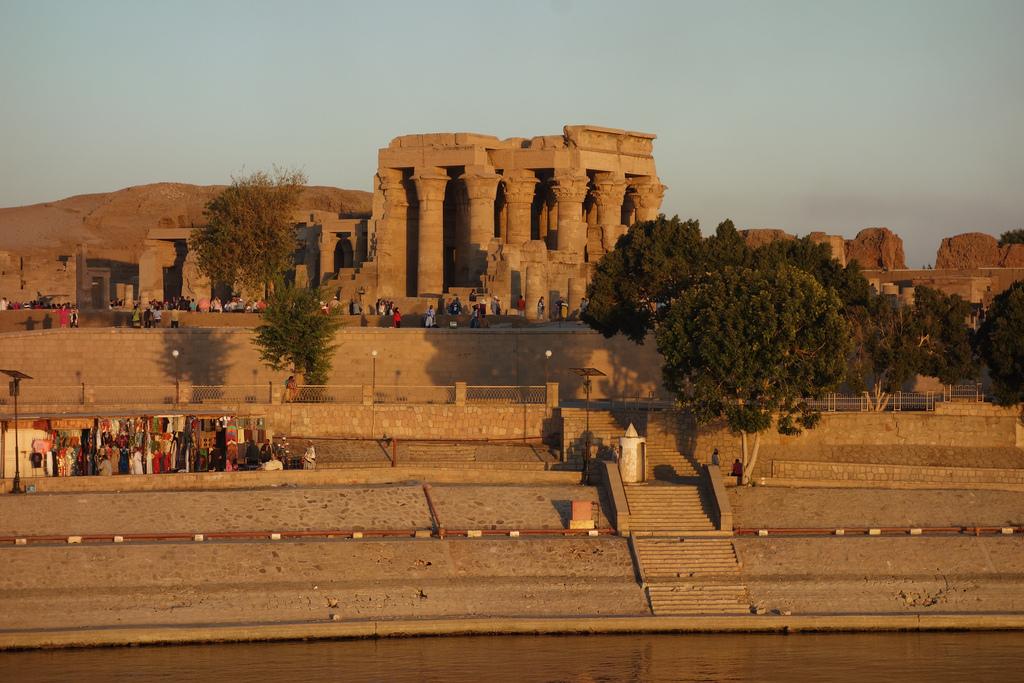 Day 05: Aswan/ Edfu